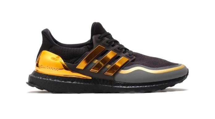 Кроссовки UltraBOOST adidas украшены золотом чемпионов