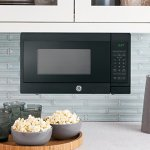 GE-JES1072SHSS-07-Cu-Ft-Capacity-Countertop-Microwave-Oven-0-2