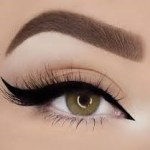 How to enhance your Eye beauty with Mascara 3