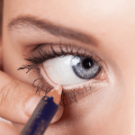 How to enhance your Eye beauty with Mascara 4