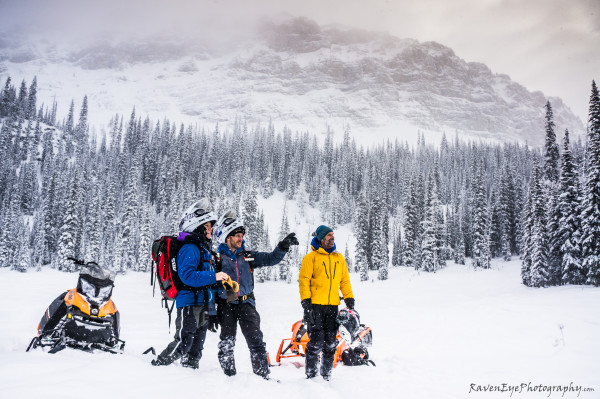 Features That You Should Look While Buying Avalanche Safety Equipment 1