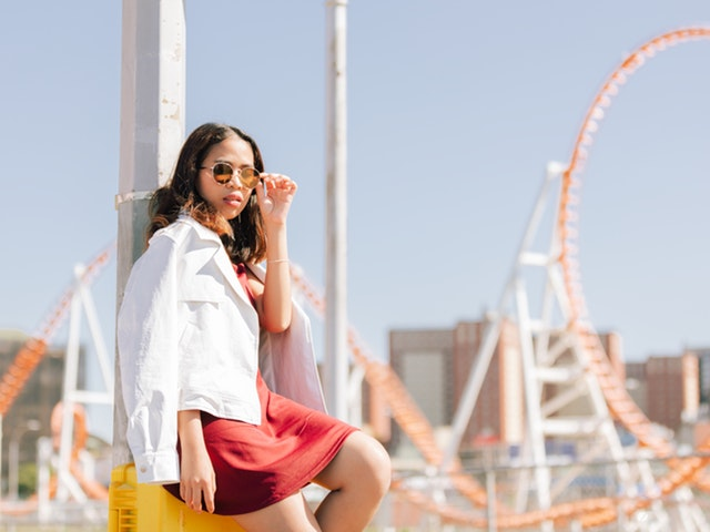 How Women can look stylish while traveling 3