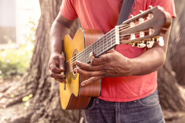 e133b80d29f31c22d2524518b7494097e377ffd41cb210429cf5c17fa0 640 1 - Guitar Playing Is Something You'll Have Fun Learning!
