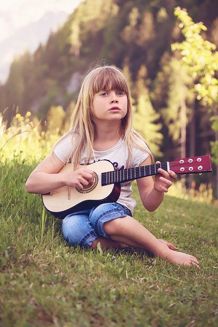 having a hard time learning guitar try these tips 3 - Having A Hard Time Learning Guitar? Try These Tips!