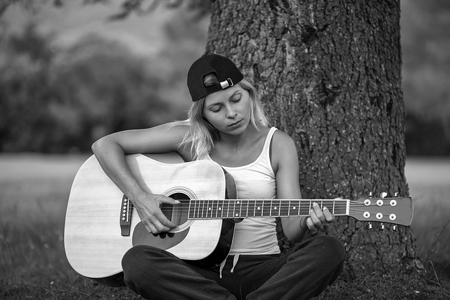 having a hard time learning guitar try these tips - Having A Hard Time Learning Guitar? Try These Tips!