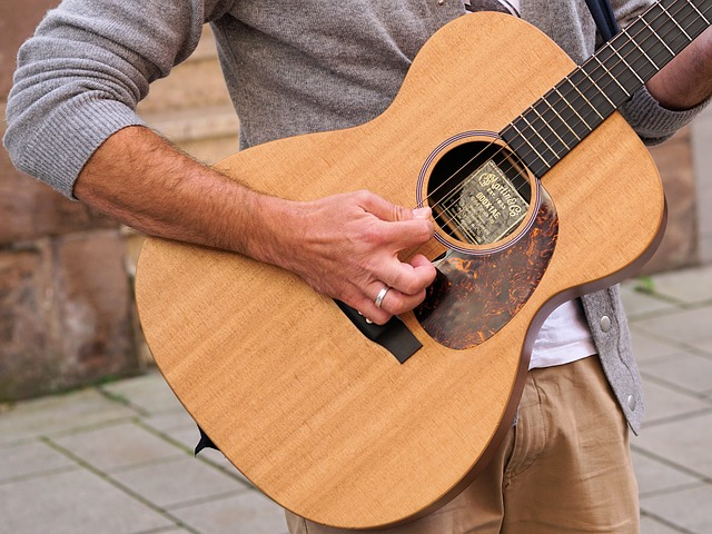 play music easily with these simple guitar tips - Play Music Easily With These Simple Guitar Tips