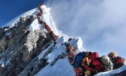 Traffic jam didn't kill climbers on Mt Everest: Tourism Department