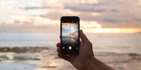 Telefonieren-und-surfen-im-Urlaub