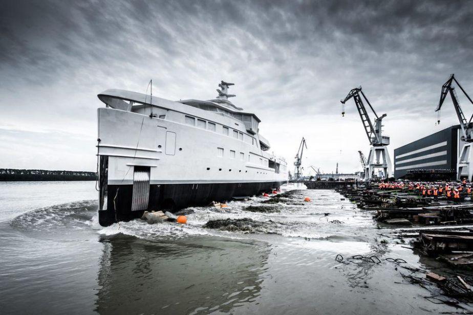 DAMEN SeaXplorer 75 hull launches in Romania.