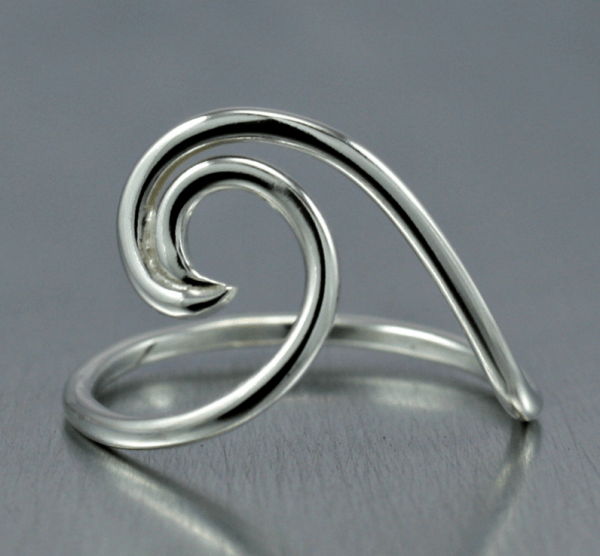 modern silver wave ring in shiny finish