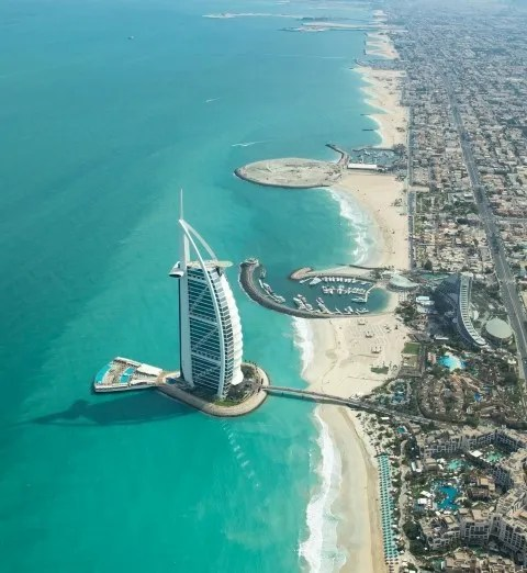 Dubai best luxury travel destinations in middle east (Small)