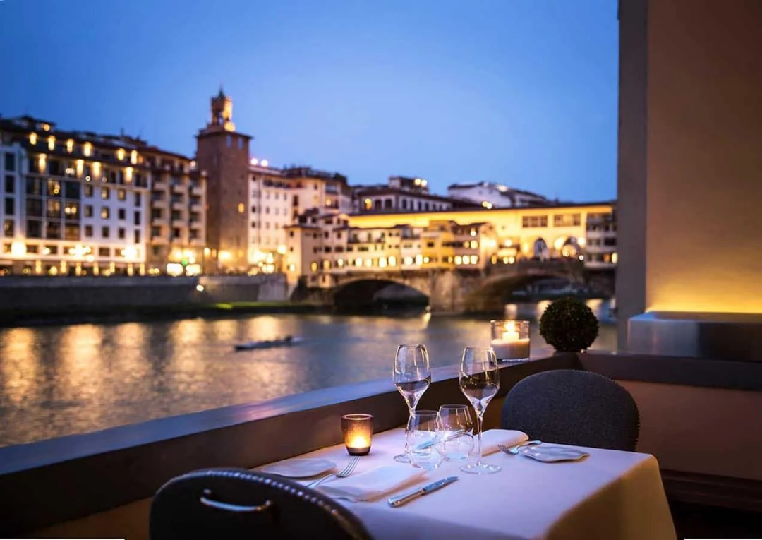 Hotel Lungarno - Lungarno Collection - top 5-star hotels in Florence Italy near ponte vecchio