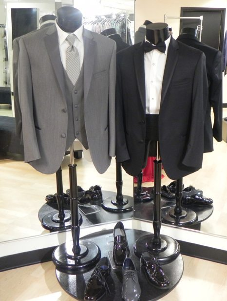 Grooms' Tuxes: Beyond the Black