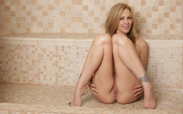 Julia ann nackt
