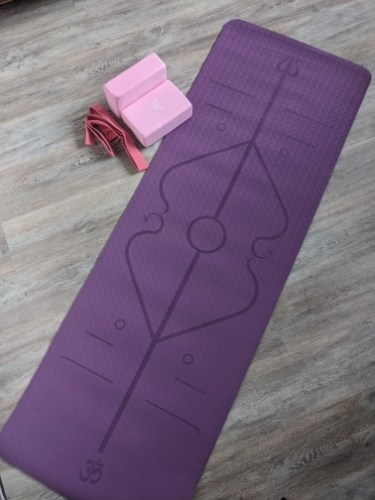 Yoga Mat with Position Lines 6 Colour Best Quality Material photo review
