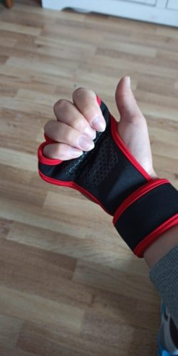 Gym and Fitness Gloves with Grips photo review