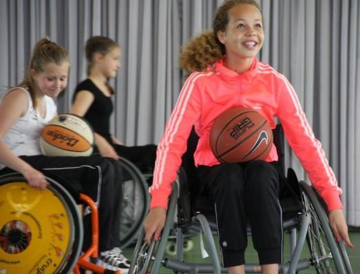 Basisschool de Springplank uit Volendam op bezoek bij Only Friends