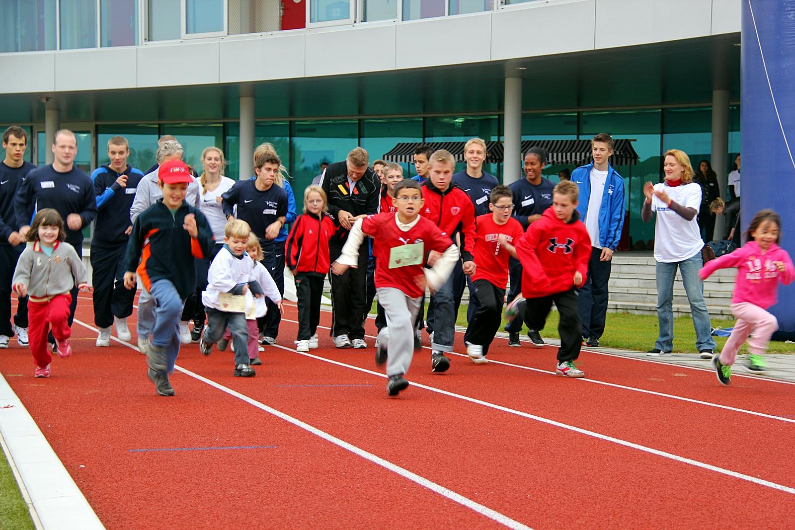 Kinderen in actie voor het Ronald McDonald Centre Only Friends