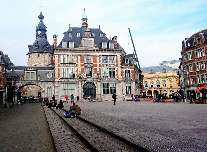 place namur - only laurie