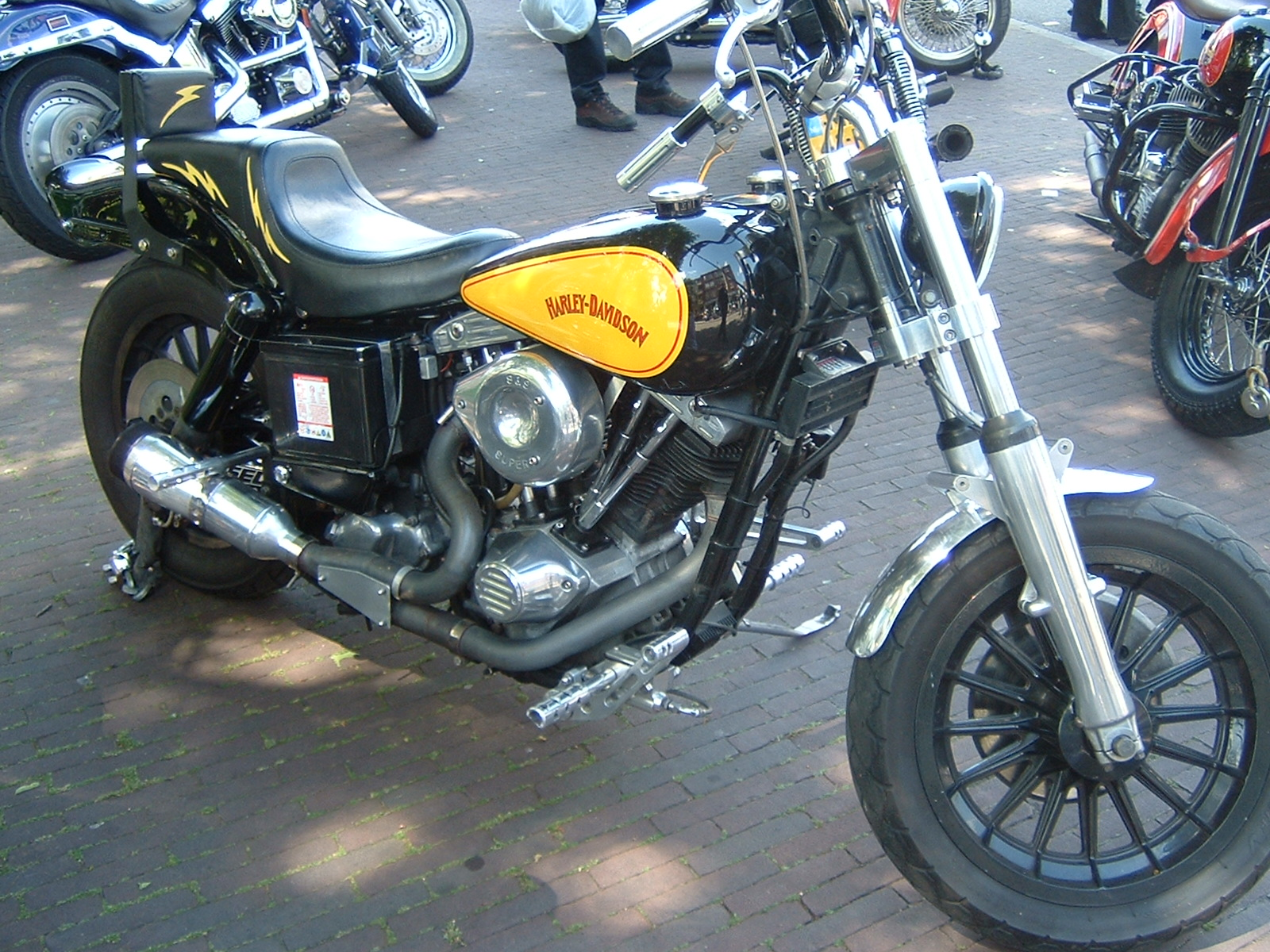 Harley Davidson motorcycles pics specs and list of models