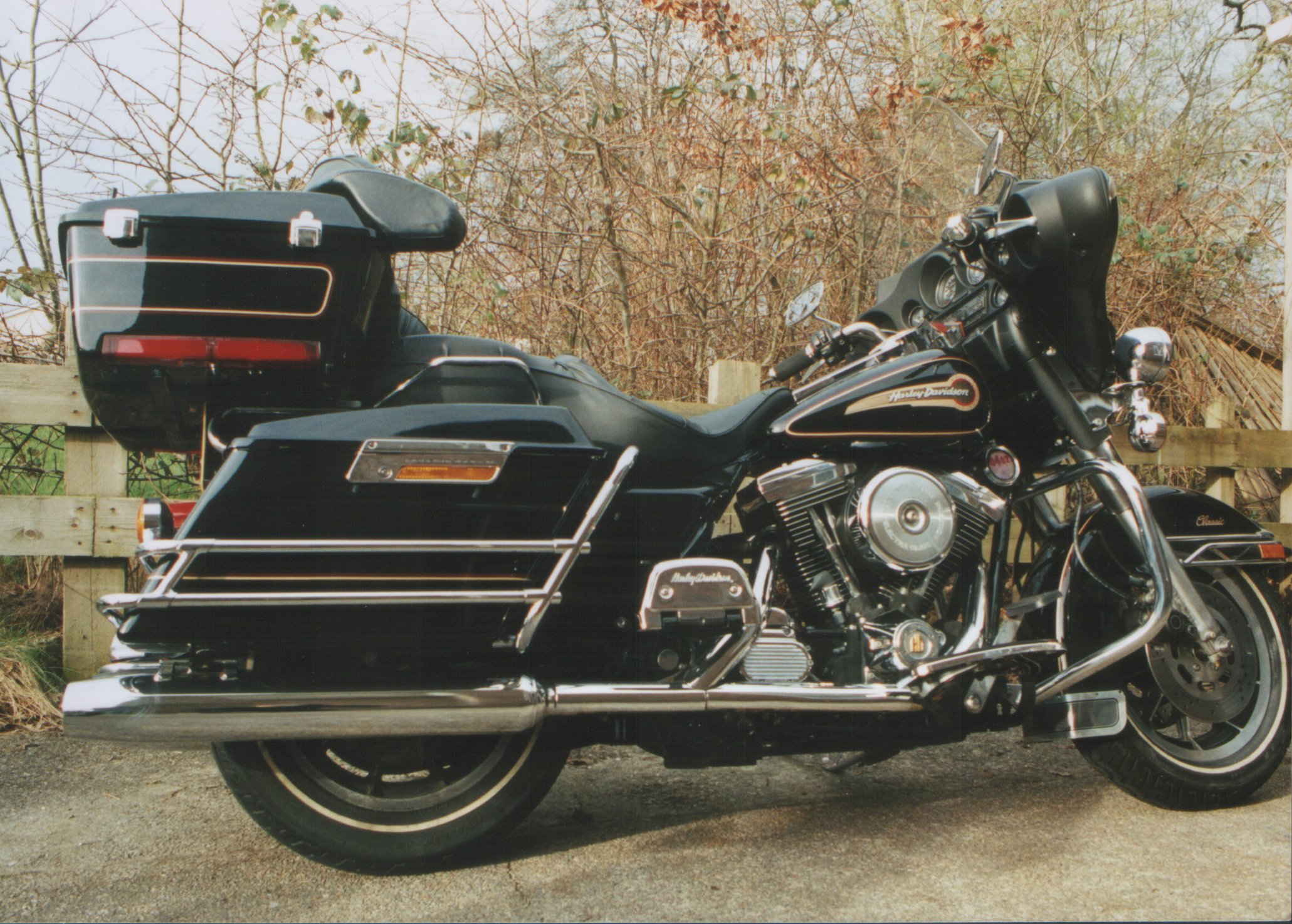 2007 Harley Davidson FLHTC Electra Glide Classic pics specs and