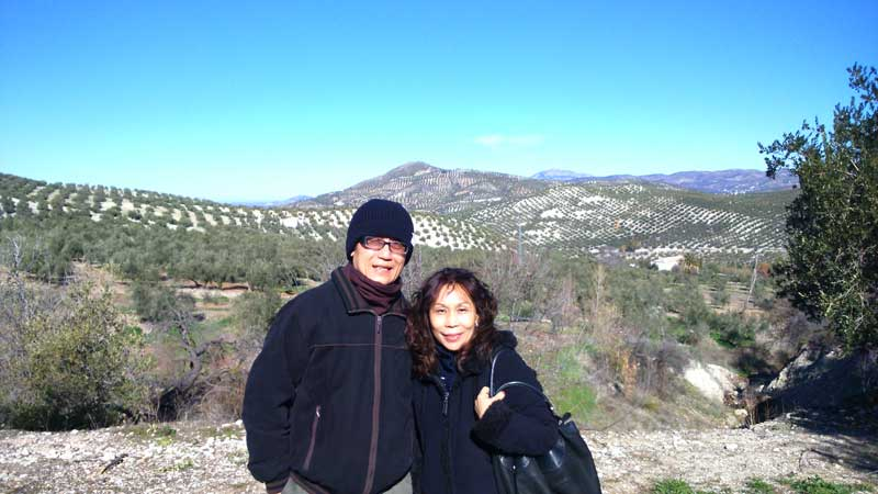 Agus & Shirley at Vizcántar's olive groves.