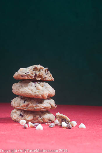 Make these #WhiteChocolate #Cranberry #Pistachio #Cookies for a perfect family #Christmas! #glutenfreebaking #ontheblog