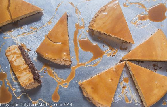 #Pumpkin #Cheesecake with Bourbon Caramel Sauce. Perfect #Thanksgiving #dessert! #glutenfree #pumpkinrecipe