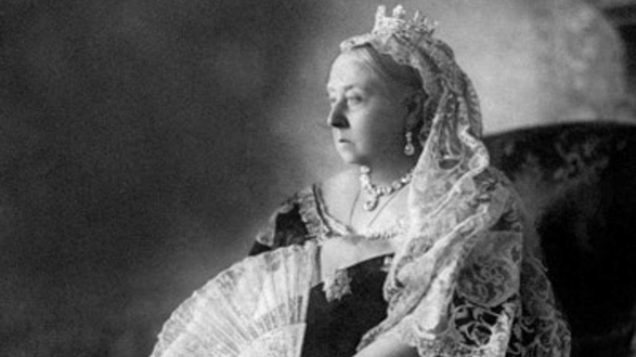 Драгоценности королевы Виктории впервые выставят на аукцион Queen Victoria wore black every day after her husband Albert died