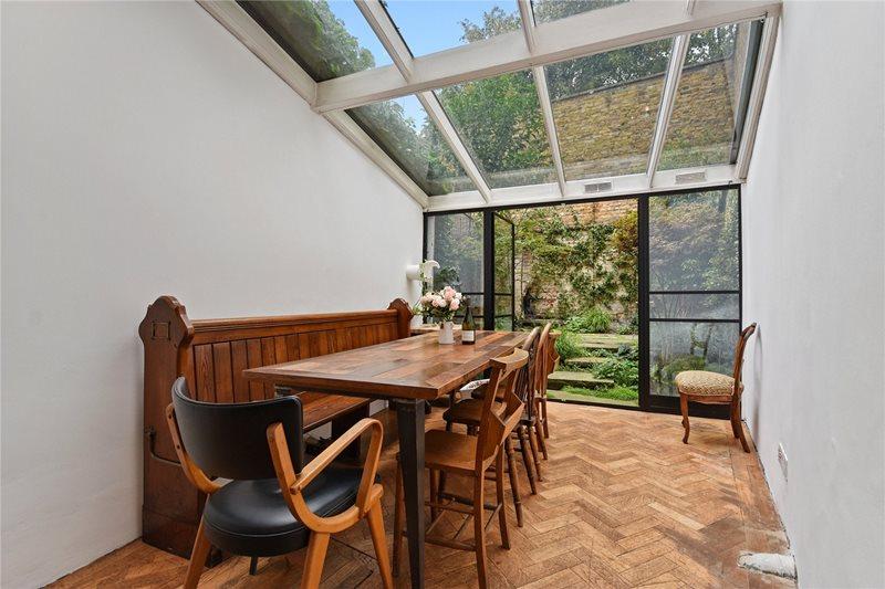 Продается уникальный, красивый, стильный и самый тонкий дом в Англии. So much more than a home