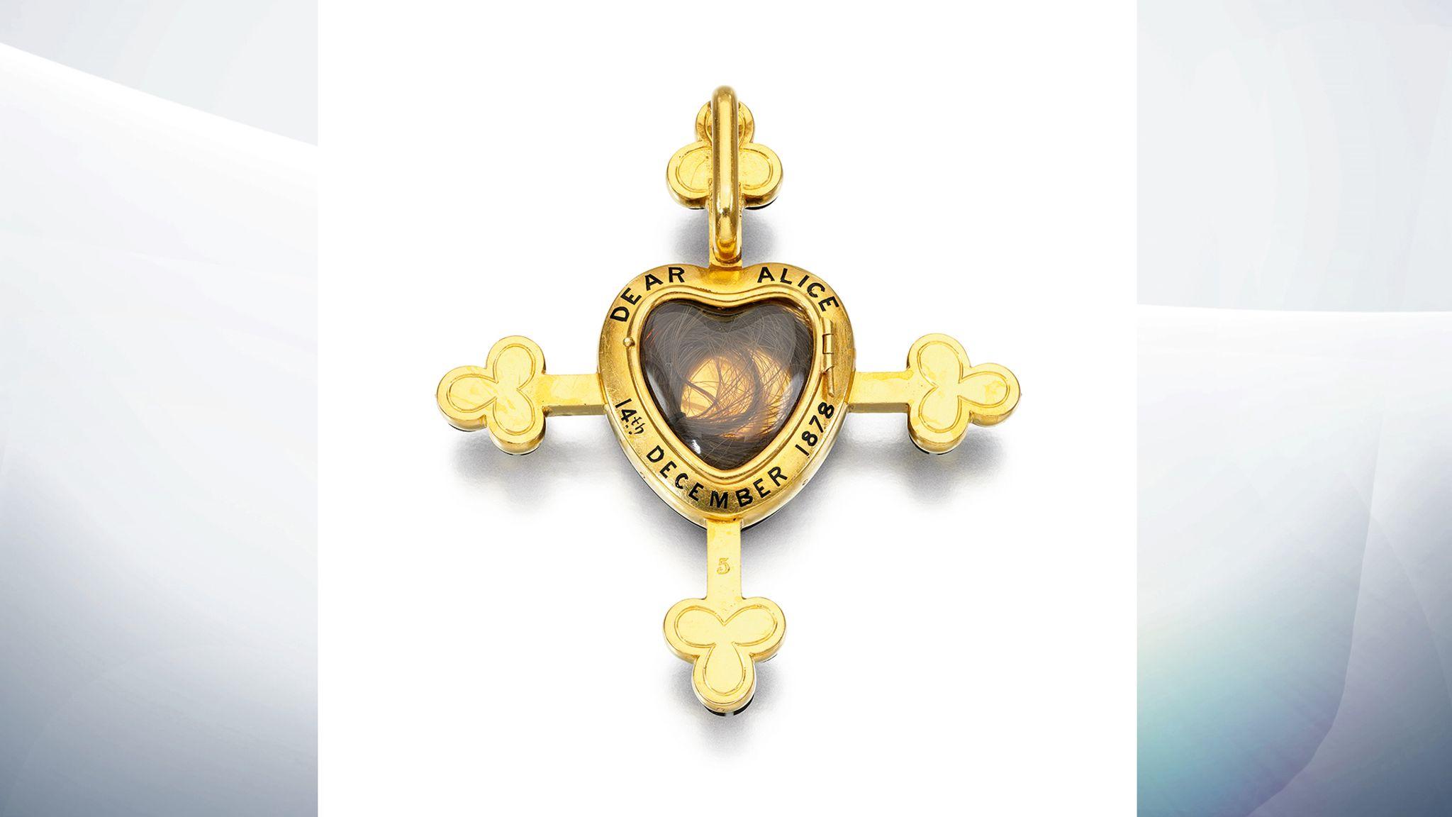 Драгоценности королевы Виктории впервые выставят на аукцион skynews queen victoria mourning jewles
