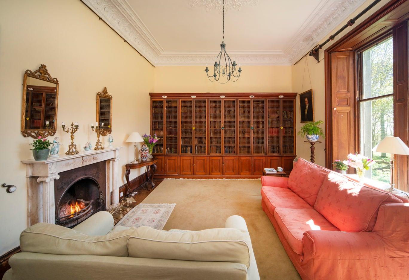 Продам старинный замок Килберри по цене ниже стоимости квартиры Kilberry Castle 2