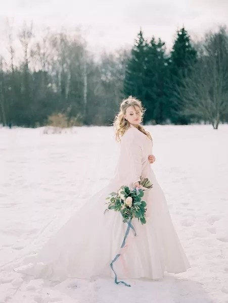 Букет невесты зимний