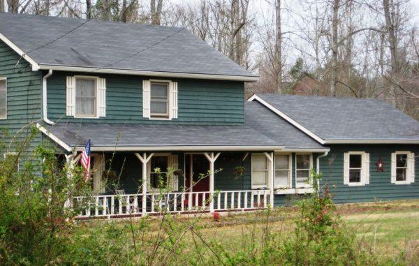 Cumming GA House In Greenwood Acres Subdivision
