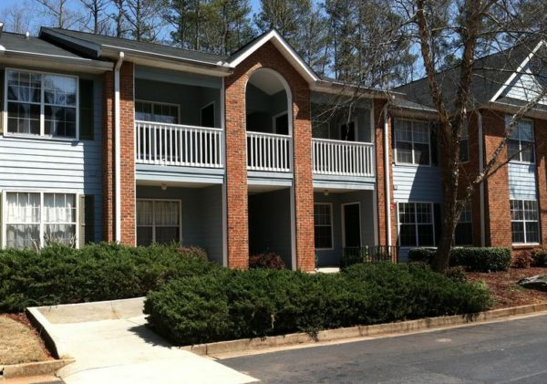 Hembree Creek Condos In Roswell GA