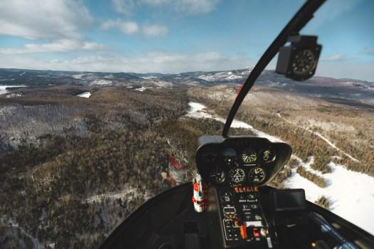 Forêt au Québec en hiver vu d'hélicoptère