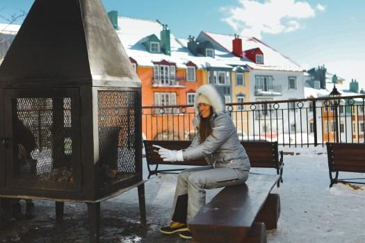 Foyer en extérieur l'hiver au Mont Tremblant