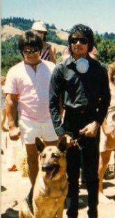 michael_jackson_at_Skywalker_Ranch_bodyguard-dog_