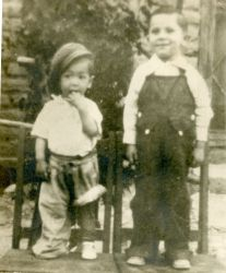 Ozzie age 2, brother Sergio 4