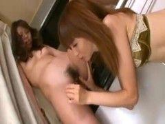 黒髪美人妻が保険のセールスレディに寝取られるrezu動画