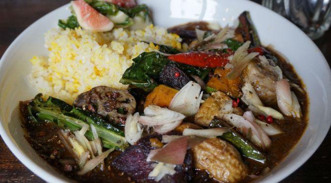 西所沢「negonbo33」炎のカレー職人がこしらえる、色とりどりな地モノ野菜豊富な逸品のインドカレー!