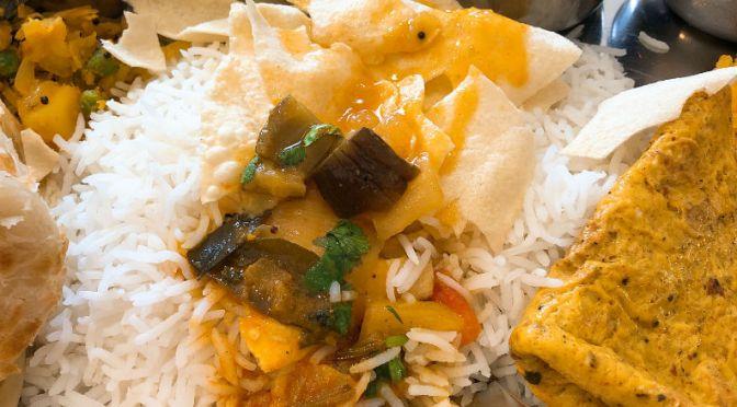 清澄白河「ナンディニ」南インドの定食ミールス、ボリュームあり過ぎてお腹パンパン。