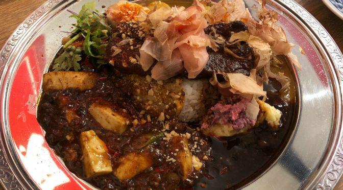 築地「スパイス食堂サワキチ」各種麻婆、魯肉カレー、麺などを食す。