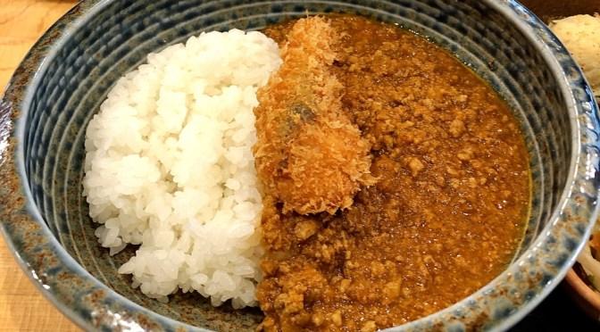 浜松町「まるこ」居酒屋ランチの美味しいフィッシュカレー。