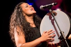 Dina El Wedidi, folk-fusion sur la scène musicale égyptienne
