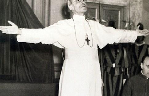 האפיפיור והנאצים