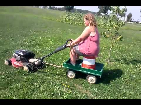 TVJ6ekdDYUdDUWcx_o_hillbilly-lawnmower-funny