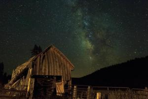 An example of a lovely old barn near Lassen Volcanic National Park