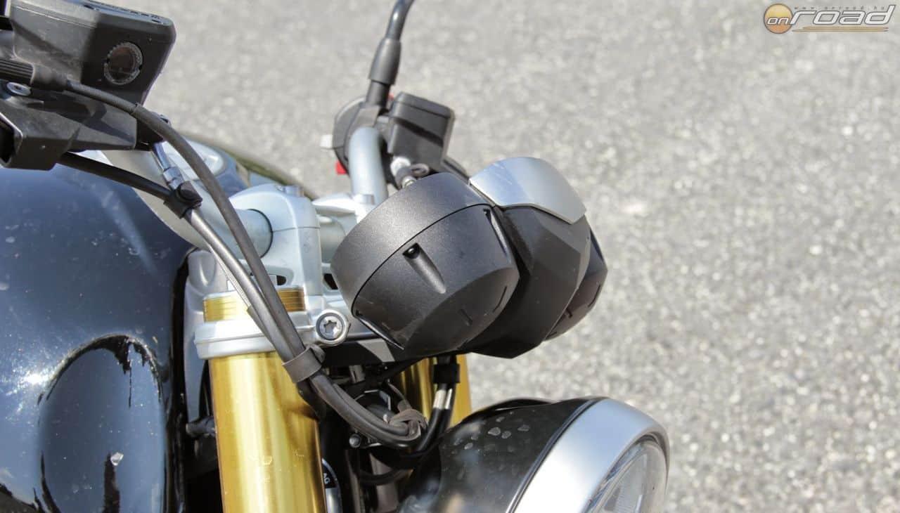 Egy klasszikus csupasz motor elejének így kell kinéznie