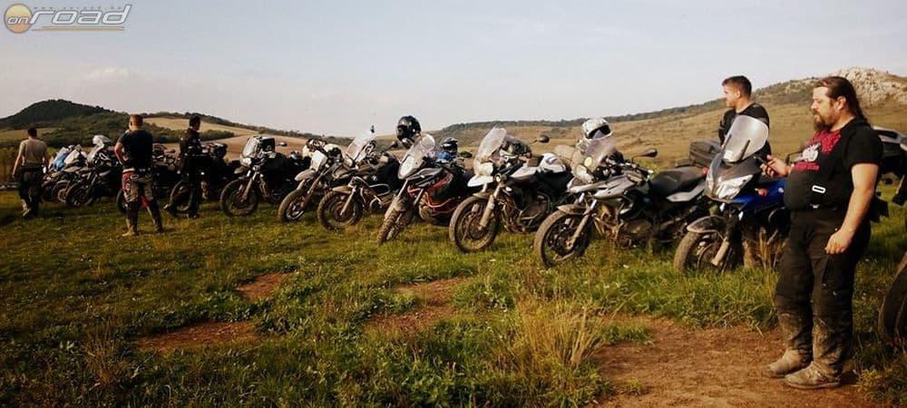 A büszke csapat, akik alaposan megdolgoztak az élményekért a BMW GS & Motozin Kalandnapján